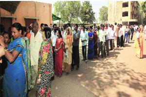 M_Id_269235_Voters_at_Shastri_Nagar_in_Govandi